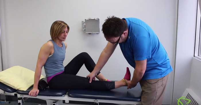 Pleasantview Physio Physiotherapist explains how to do Knee Extension Exercises